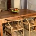 Silla Wishbone madera color roble envejecido hostelería